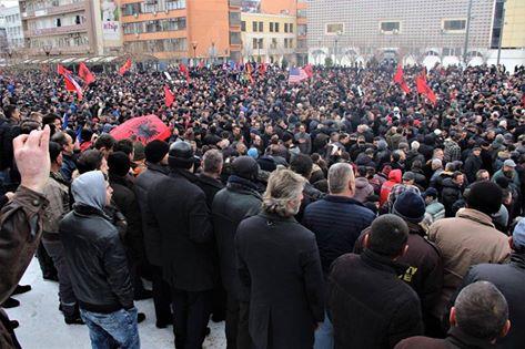 Haradinaj falënderon shqiptarët  Jam njëri prej jush  nuk shkel mbi lirinë e popullit tim