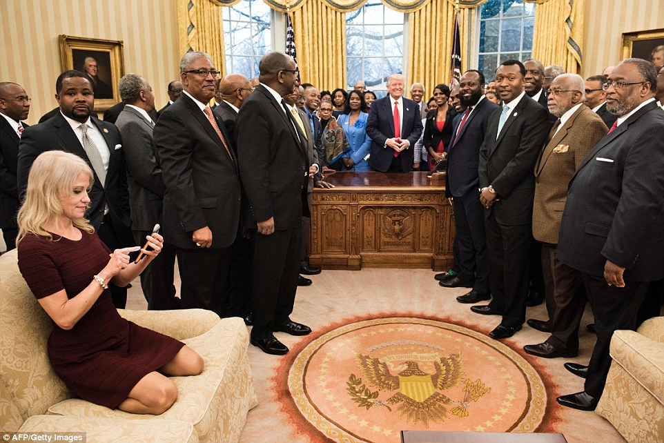 3DC8617D00000578-4266510-Counselor_to_the_President_Kellyanne_Conway_is_seen_checking_her-a-7_1488269396726