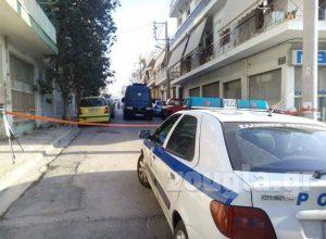 Policia në banesën e familjes shqiptare në Athinë