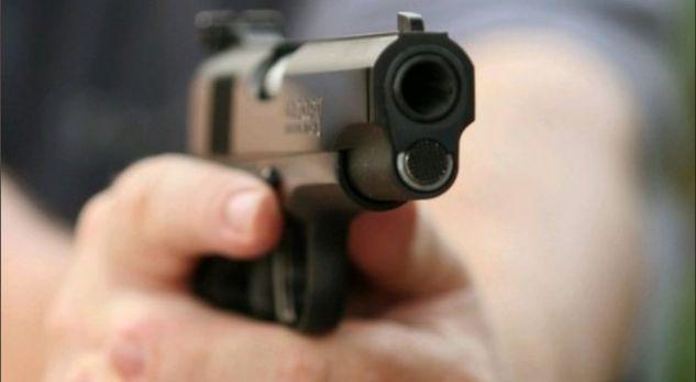 Atentat me armë dy vëllezërve  19 vjeçari qëllon mbi makinën e tyre por shpëtojnë mrekullisht