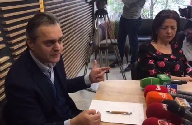 Protesta për zgjedhjet e lira  Blushi  Pse nuk i bashkohem çadrës së Sali Berishës