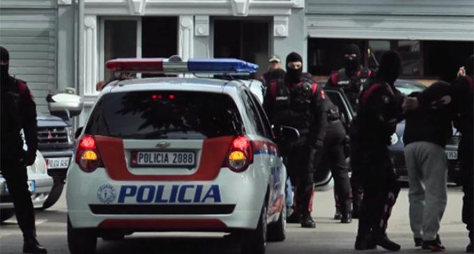policia-arrestim-shqiponjat