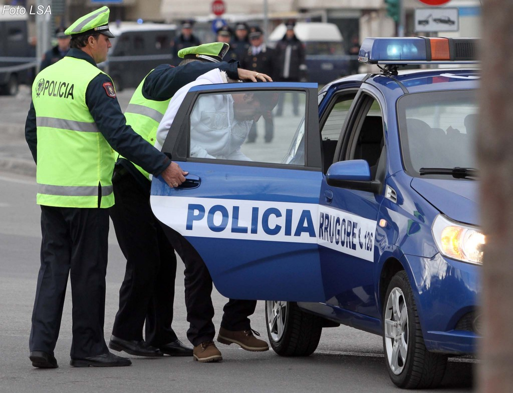 policia-rrugore-te-dehur-1024x785