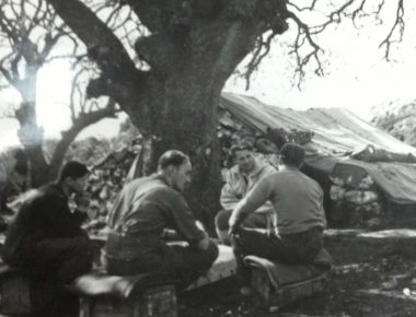 Shtabi-i-oficereve-britanik-ne-Dukat-te-Vlores-1944