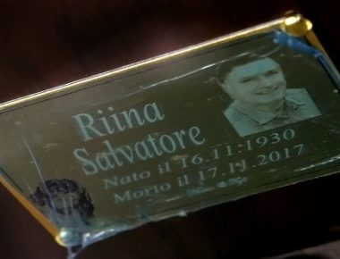 Toto Riina, pllaka e varrit