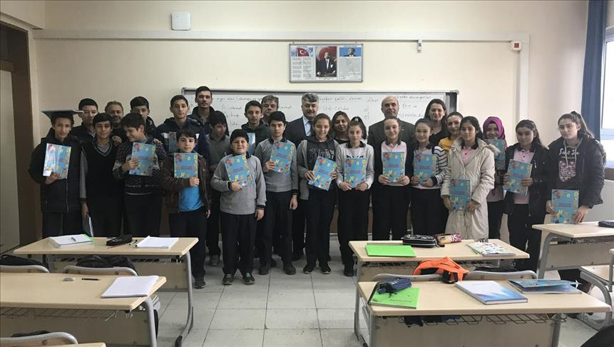 Turqi  shpërndahen tekstet e para shkollore të lëndës së gjuhës shqipe