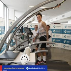 47E3BAD200000578-5245767-Philippe_Coutinho_on_the_treadmill_during_his_Barcelona_medical-m-47_1515411502095