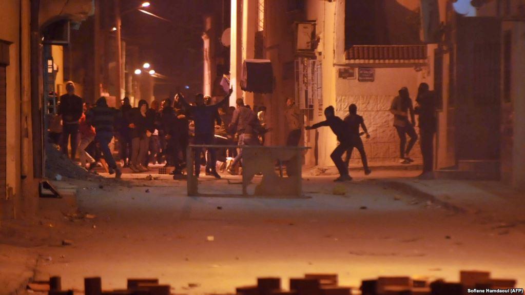 protesta ne tunizi