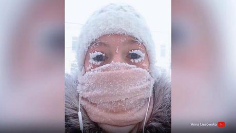 video-mendon-se-ne-qytetin-tend-ben-ftohte-ne-oymyakon-ngrijne-dhe-qerpiket