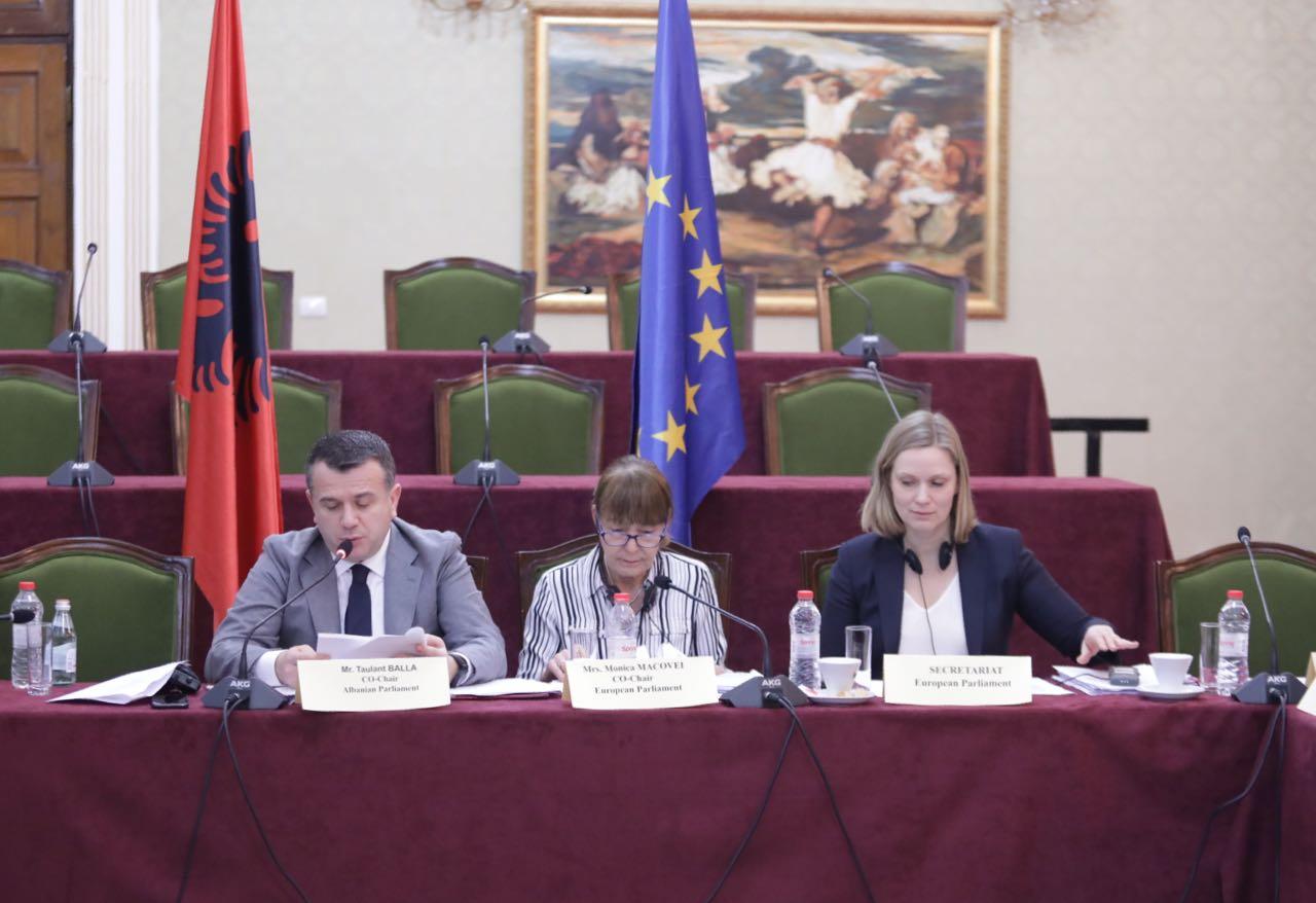 Komiteti i SA (4)