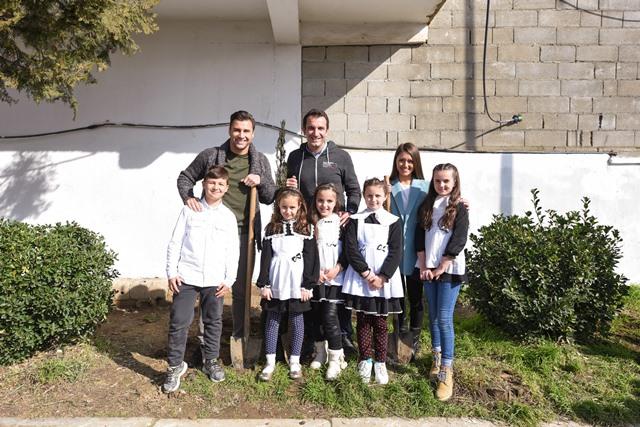 Veliaj dhe Cana mbjellin peme ne shkollen Kol Jakova (2)