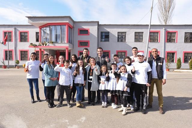 Veliaj dhe Cana mbjellin peme ne shkollen Kol Jakova (5)