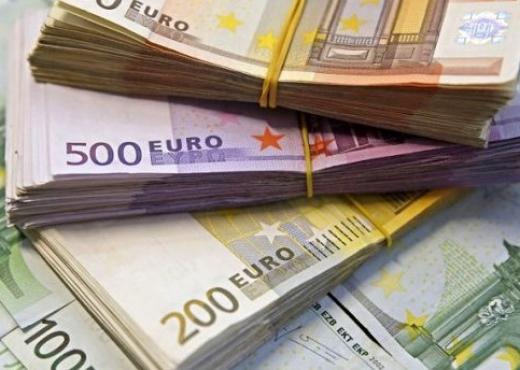 Është bërë keq për lekë  por euro ka me shumicë  zbret afër 130 lekëve