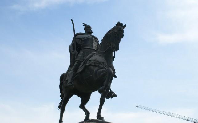 Pas 12 vitesh përpjekje  një statujë për Skënderbeun në Parma të Italisë