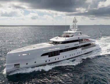 4A60C23700000578-5523657-The_164_foot_long_aluminium_constructed_Home_built_by_Dutch_ship-m-14_1521624980474