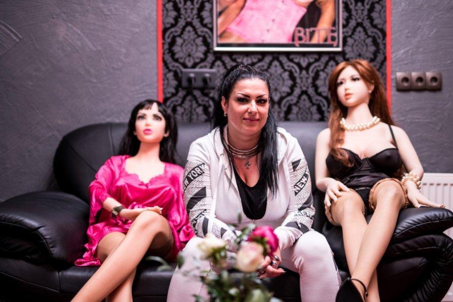Foto  Gjermani  incident në shtëpinë publike me kukulla seksi në Dortmund