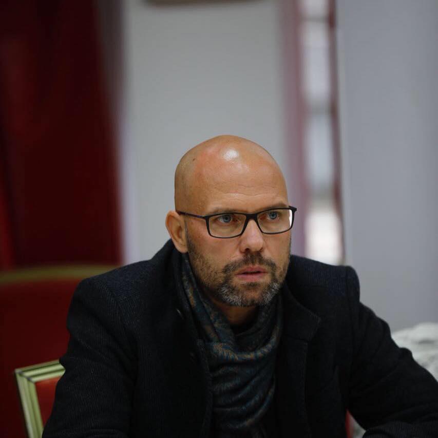 refugjatet-ne-shqiperi-ish-ministri-ku-i-gjeten-kapacitetet-keto-miza-kali-ja-cfare-do-ndodhe