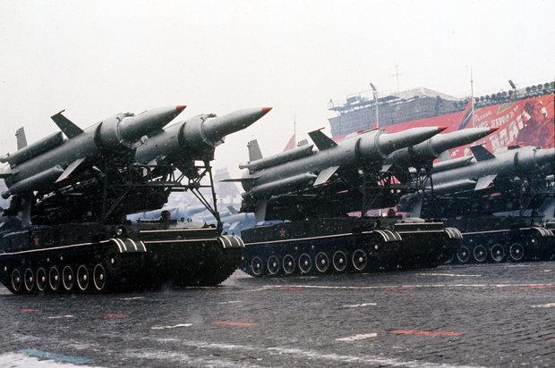 Russia-Nuclear-War-Britain-Vladimir-Putin-Map-Targets-Soviet-Union-Cold-War-Nukes-Skripal-1269932 (1)