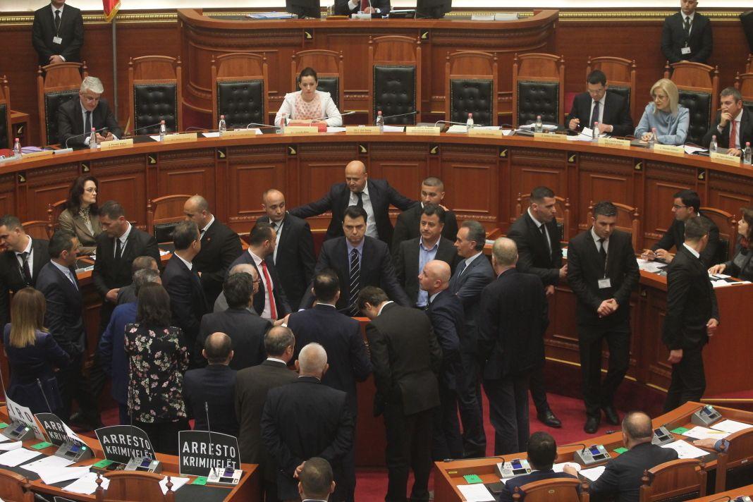 parlament ok 12 prill (10)
