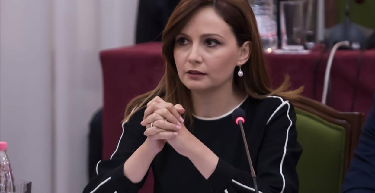 deputetja-e-pd-tenderat-publike-ne-shqiperi-i-fitojne-vetem-11-persona