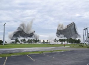 636647889448196422-AP-Cooling-Towers-Implosion-100682327
