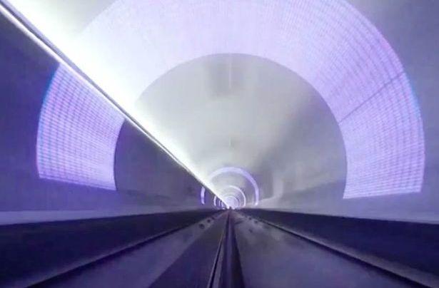 video-si-eshte-te-besh-nje-udhetim-me-tren-138-km-per-12-minuta