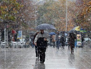 reshje-shiu-debore-permbytje-moti-ne-vend-rruge-te-bllokuara