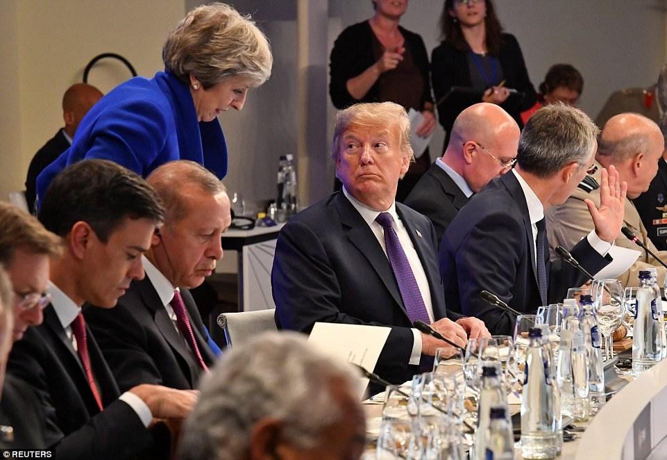 4E2230F700000578-5943825-U_S_President_Donald_Trump_looks_back_at_British_Prime_Minister_-a-61_1531379876398