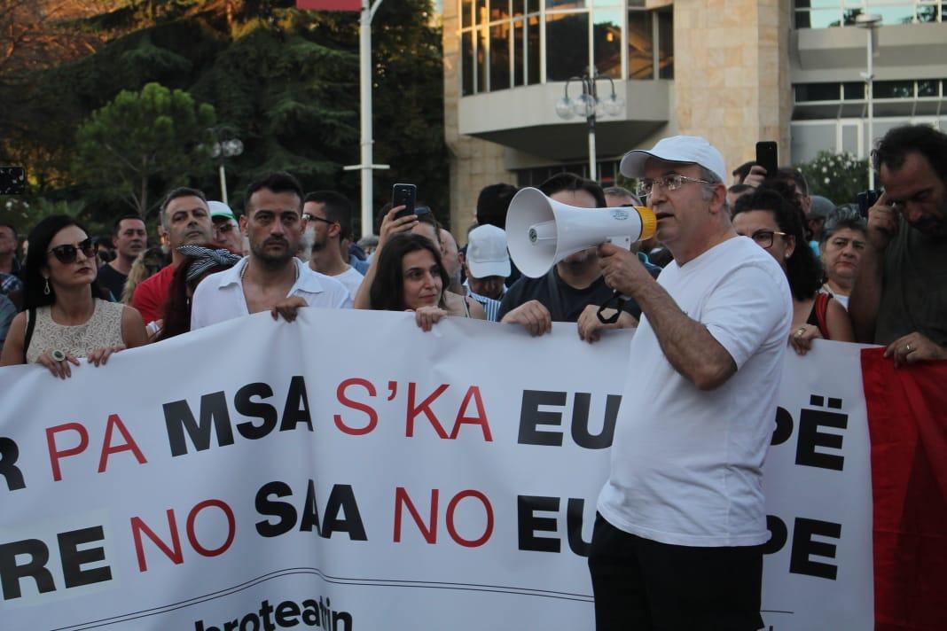 Protesta Teatri (2)
