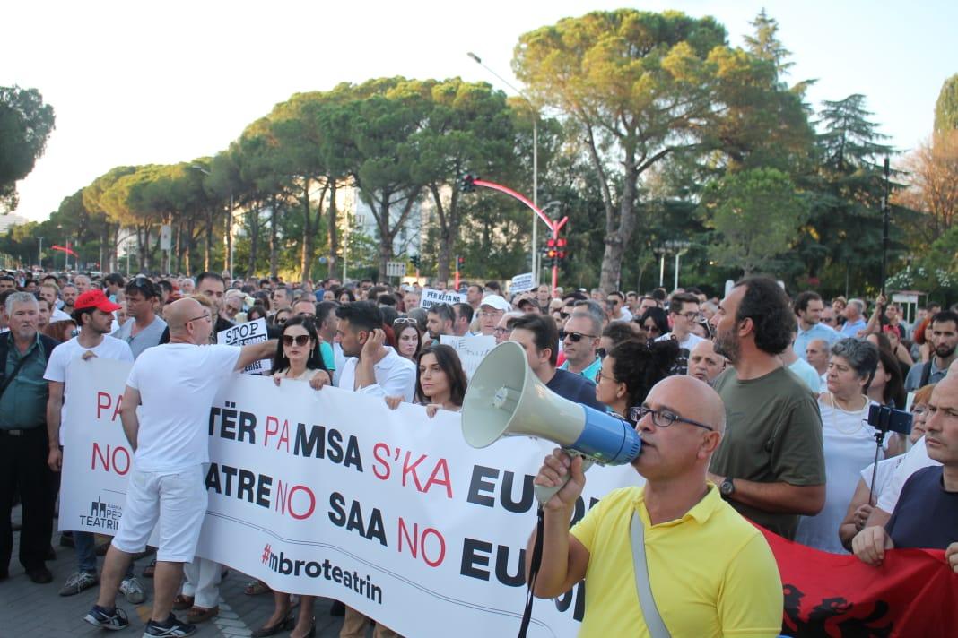 Protesta Teatri (3)