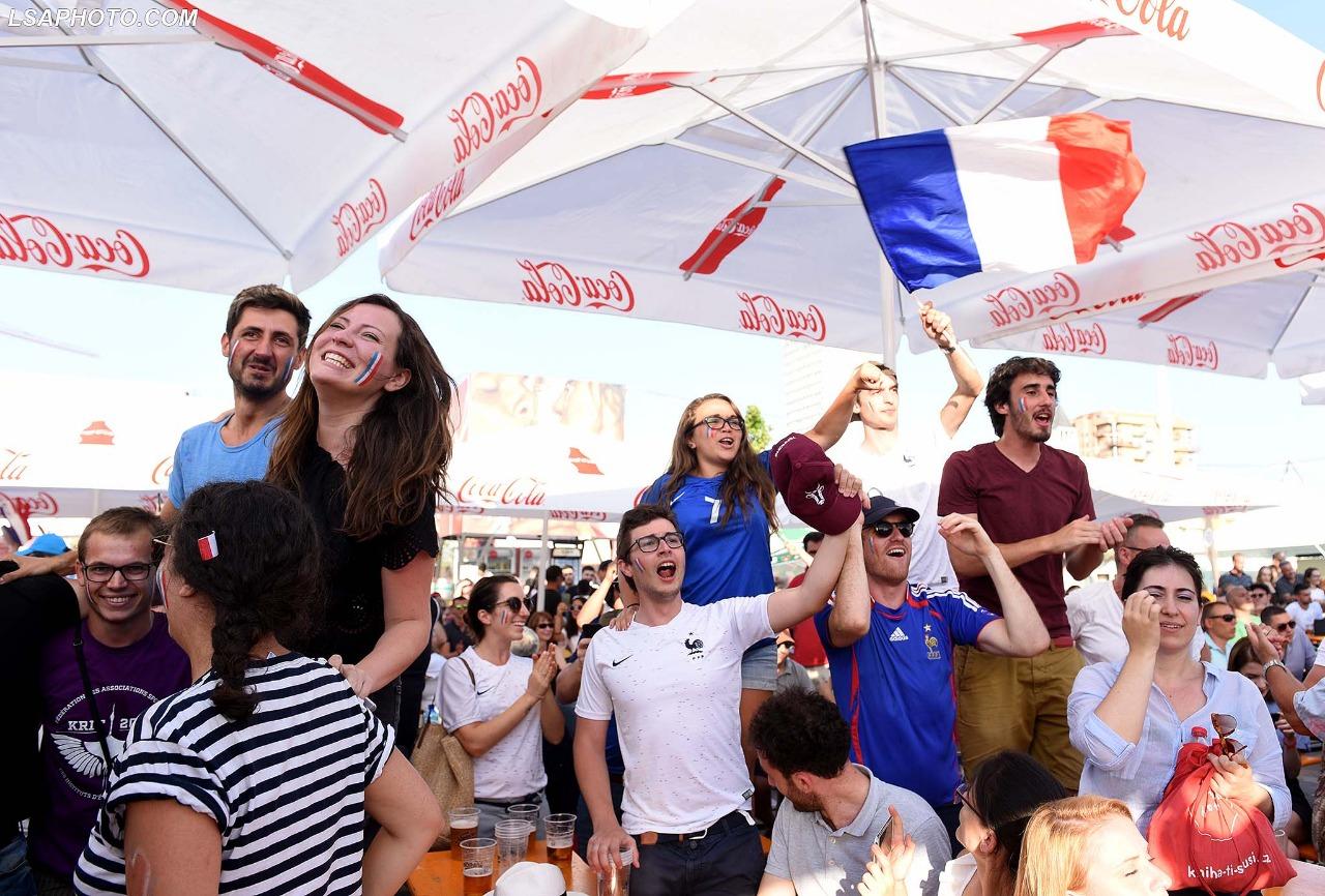 Tifozet Tirane France-Kroaci (11)