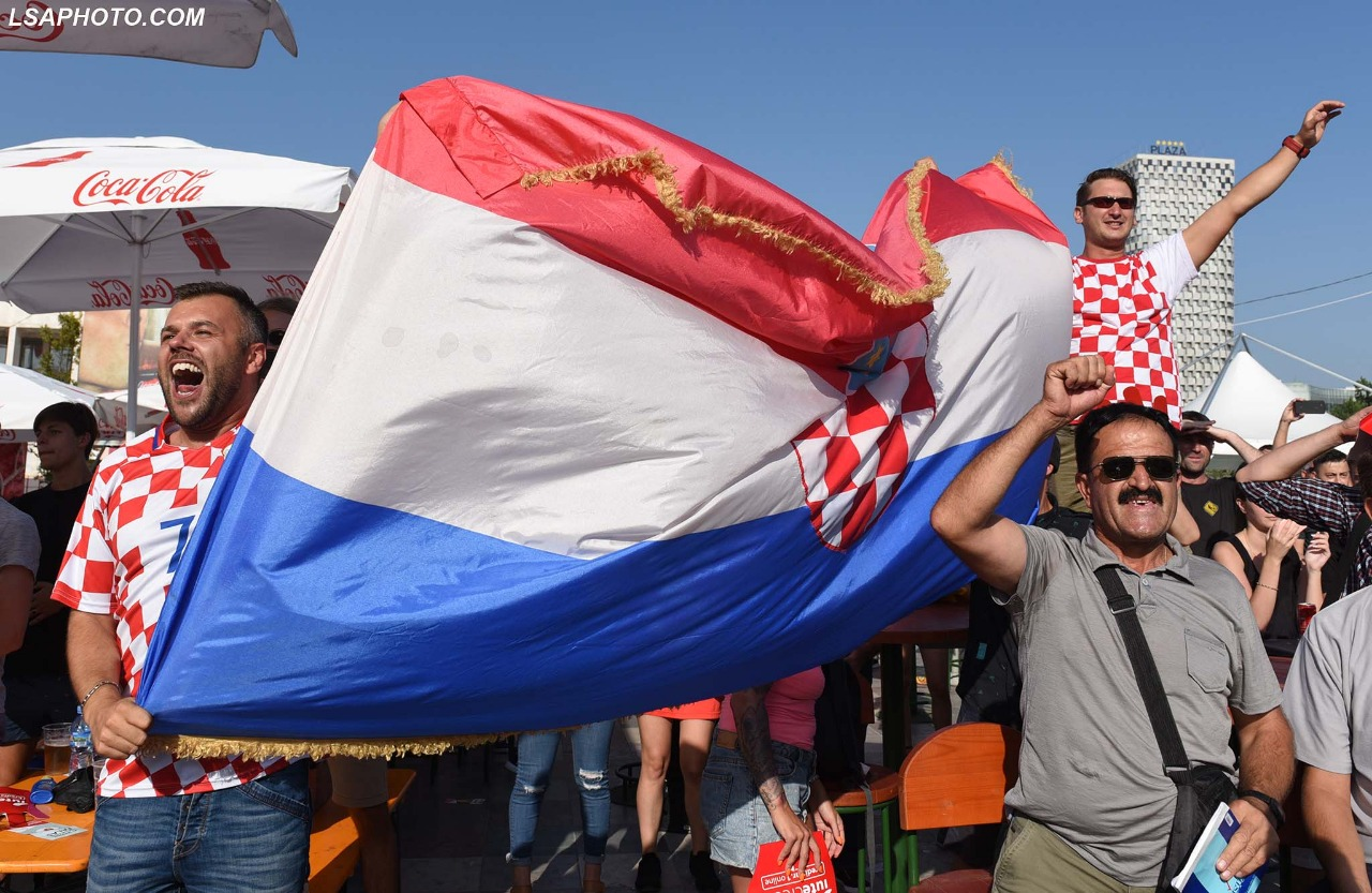 Tifozet Tirane France-Kroaci (25)
