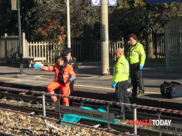 Uomo travolto e ucciso dal treno in stazione a Desio (Foto Bennati_MonzaToday) (2)