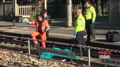 suicidio treno morto stazione-2