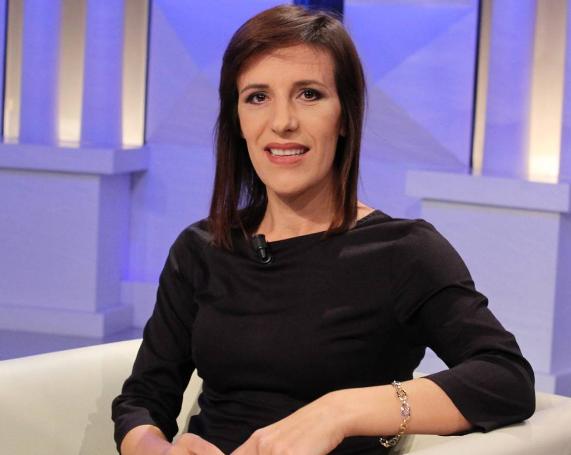 Oficerja dëshmoi kundër Tahirit, Klodiana Lala: Kush është deputeti  socialist që i nxori... - Balkanweb.com - News24