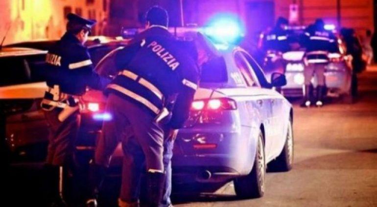 Auto Auto Policia Italiane Naten 640x4261522762833 650x3581522765019