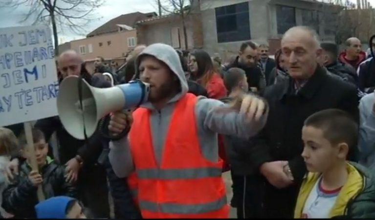 Bregu I Lumit Proteste