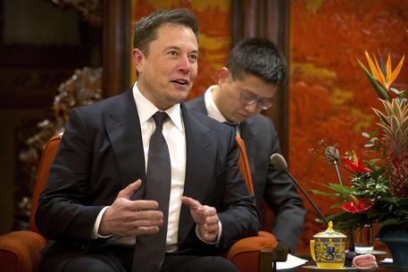 Tesla: Musk Annuncia Taglio Del 7% Del Personale