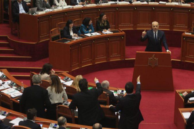 Parlament 31 Janar (10)