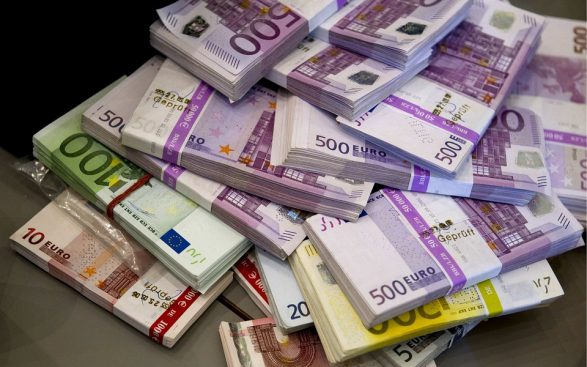 Money Bill Currency Euro Cash 891747 587x367