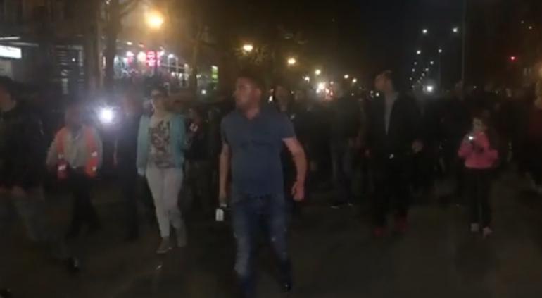 Protestuesit Unaza E Re