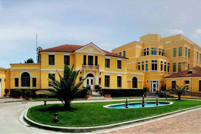 Ambasada Amerikane Ne Shqiperi