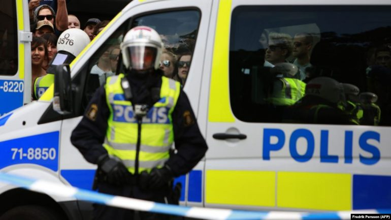 Policiai Suedia1