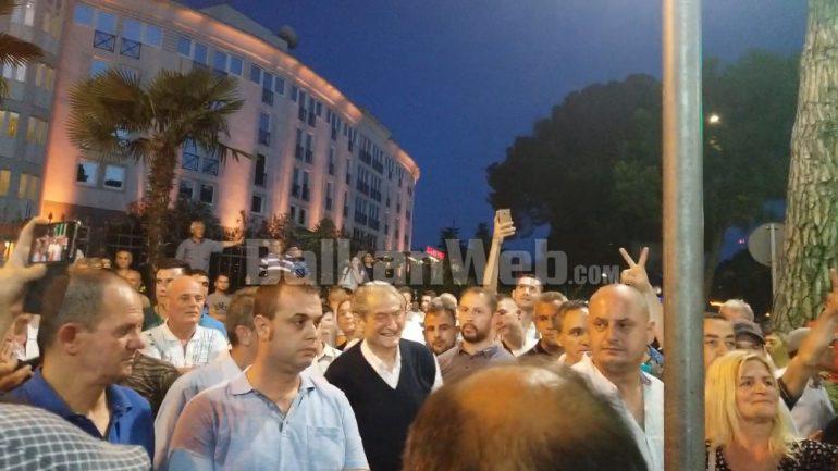 Berisha Ne Proteste