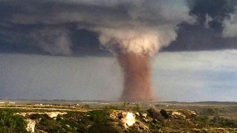 Tornado Kosova1