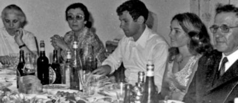 Mehmet Shehu Me Familjen 1 905x395