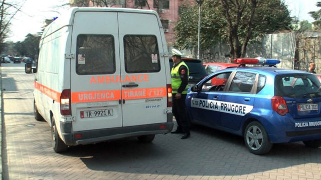 Policia Ambulanca 640x360