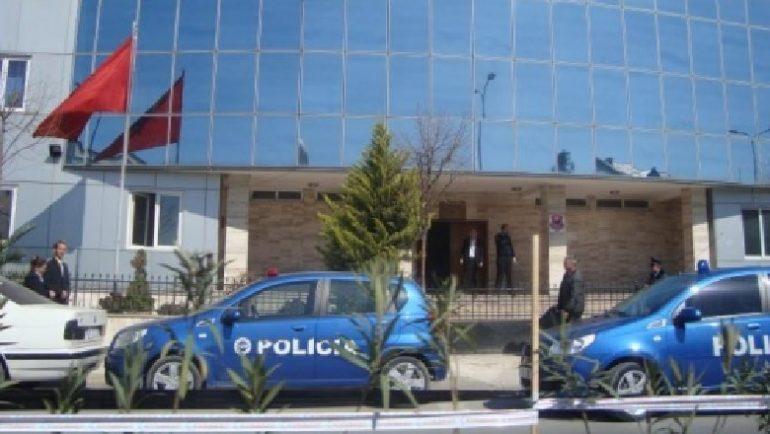 Policia Kamez1