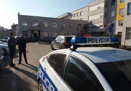 Policia Te Qsut 433x300