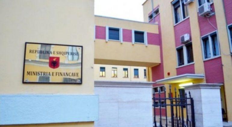 Auto Ministria E Financave 1496158914 52779741496159527